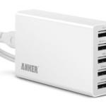 スマホ、タブレットなどのデバイスを複数持ってるユーザーさん注目!Ankerの5ポートUSB急速充電器 ACアダプタ25Wタイプが一気に値下げ!送料無料!