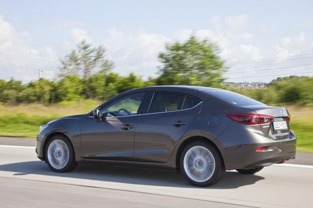 New-2014-Mazda3-Sedan2