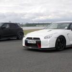 日産 ジュークR2.0 VS GT-R NISMOのドラッグレース対決!思わぬ結果に?